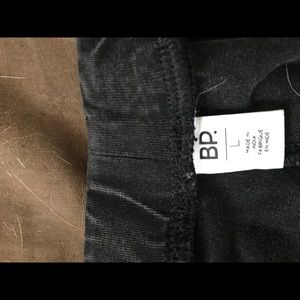 NWT faded black jeggings. Size large